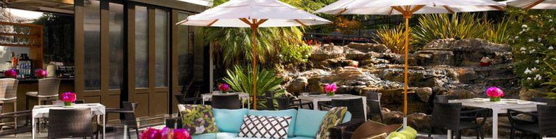 Plaża w ogrodzie, czyli jaki parasol ogrodowy wybrać?
