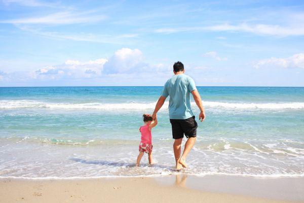 Bezpieczne wakacje z dziećmi - zainwestuj w dziecięce buty do wody
