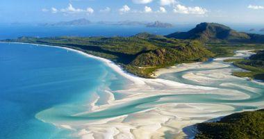 Plaża Whitehaven na Wyspie Whitsunday nad Morzem Koralowym