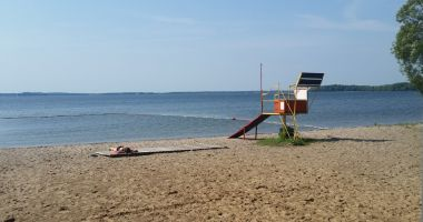 Beach in Pieczarki, Lake Dargin
