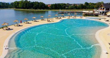 Basen kąpielowy przy Hotelu Molo w Osieku