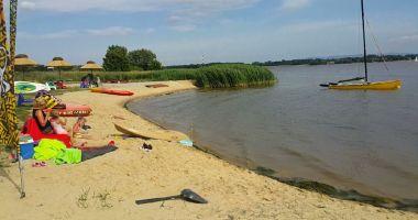Plaża SHOWteam WAKE & SURF Village w Porębie nad Jeziorem Łąka