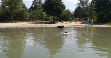 Plaża w Powidz-Wybudowanie na Jeziorem Niedzięgiel