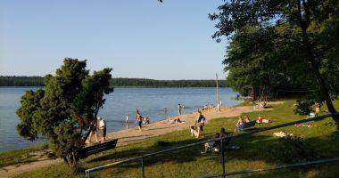 Beach in Mialkowek, Lake Lucienskie