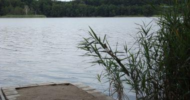 Beach in Narost, Narost Lake